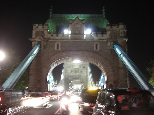 Picture of Tower Bridge and traffic